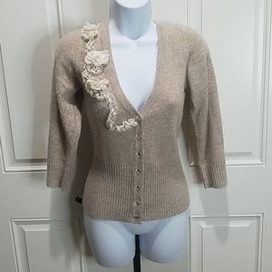 Quarter sleeve cardigan